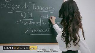 Cậu học sinh ngoan muốn xin điểm cô giáo và cái kết Xvideos.com